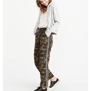 Abercrombie and Fitch Annie high rise camo pants